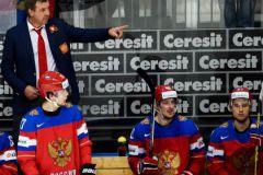 Олег Знарок и герой матча с Латвией Артемий Панарин