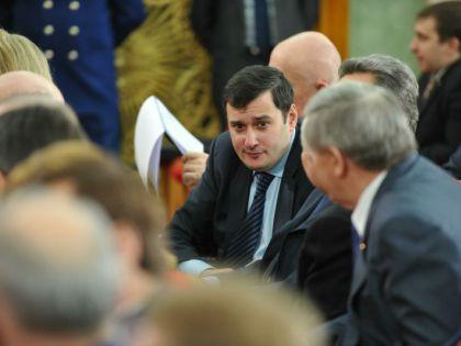 """Ряд депутатов сняли с праймериз """"Единой России"""" якобы за дискредитацию партии."""