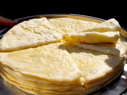 Национальное блюдо «Чуду» с начинкой из мяса, творога или зелени