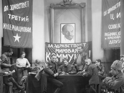 Именитые режиссеры вряд ли пройдут мимо 100-летней годовщины революции в России