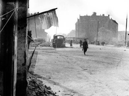 Берлин после уличных боев, 1 мая 1945 года