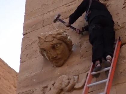 Боевики уничтожили уже несколько древних городов