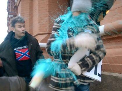 Нападение на пикетчика Ионова