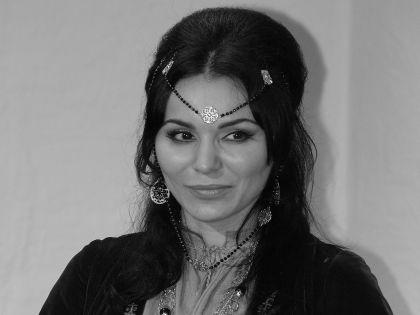 Лаура Кеосаян в роли Джуны