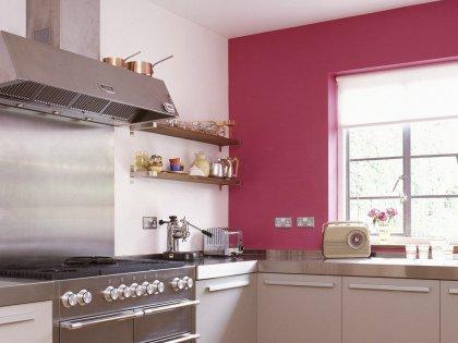 Если у вас газовая плита, печка или дровяная духовка, вытяжка необходима!