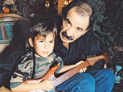 Тимофей с дедушкой Ильей Олейниковым