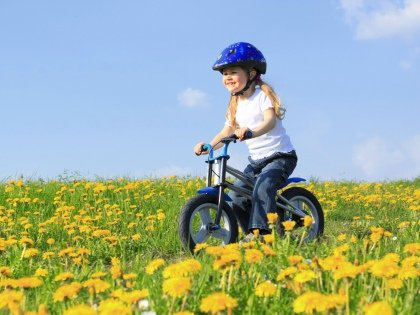 В 3–4 года приходит время полноценного велика, управлять которым малыш уже сможет самостоятельно