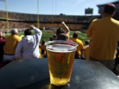 Пиво на футбольном матче