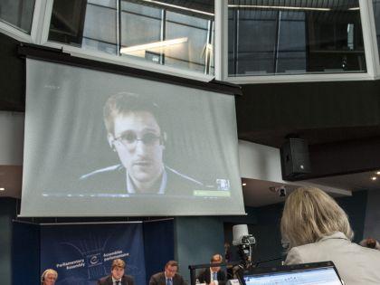 Сноуден пока не планирует возвращаться на родину, ведь там его ждет суд