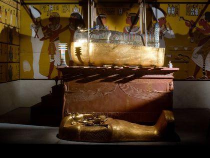 Гробнице Тутанхамона тоже грозят настырные туристы