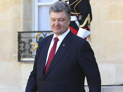 Пётр Порошенко встретился с ветеранами в Николаевской области