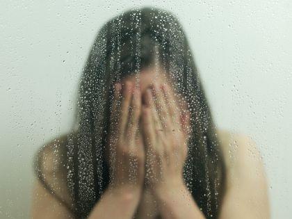 Очередное изнасилование девочки-подростка шокировало страну
