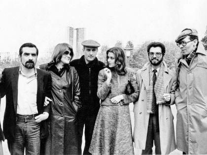 Финальный кадр на память: Роберт Де Ниро, Ирина Алферова с журналистами (второй справа – Борис Берман)