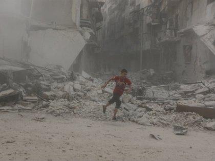Район Аль-Ансари в Алеппо после авиаударов