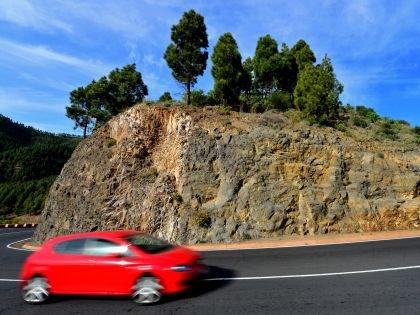 Как выбрать наиболее бюджетное направление и самое экономичное авто для летнего отпуска?
