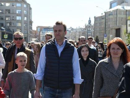 Алексей Навальный на митинге против реновации в Москве на проспекте Сахарова 14 мая. Там же пройдет митинг против коррупции, заявленный на 12 июня