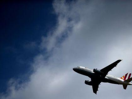 Неизвестные захватили самолет EgyptAir с 81 пассажиром на борту