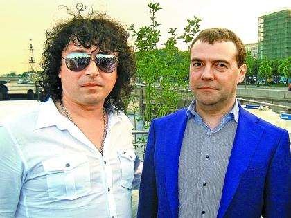 Андрей Алексин и Дмитрий Медведев