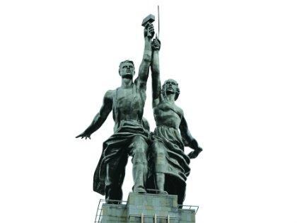 Эмблемой киностудии является «Рабочий и колхозница». Скульптура впервые появилась в 1947 году в качестве экранной марки «Мосфильма» в фильме «Весна»