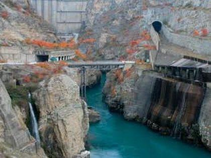 Высота плотины Чиркейской ГЭС – 232 метра