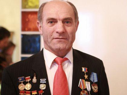 Почетный президент Международного авиационно-космического салона, летчик-испытатель Магомед Толбоев