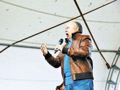 Караулов спел романс Батуриной