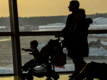 Все три московских аэропорта перешли на усиленный режим работы