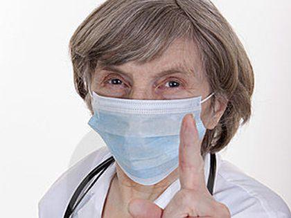 Куриный бульон, которым принято поить больных, опасен для печени, говорит Аза Михайловна