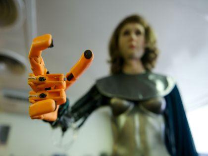 США уже запустили производство первого секс-робота Roxxxy