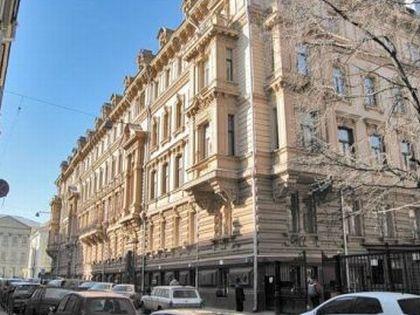 Дом в пяти минутах ходьбы от Кремля, где теперь продаётся квартира Жукова
