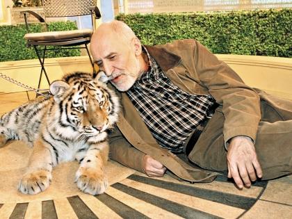 Николай Дроздов и тигрица на съемках