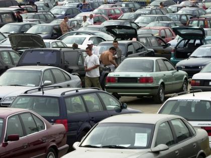 Вероятно, оживится рынок подержанных автомобилей как более доступных по цене и меньше зависящих от валютных курсов