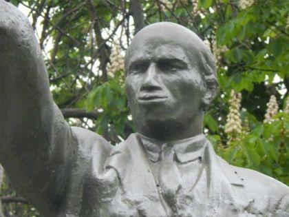 Ургант пошутил про губы Ленина
