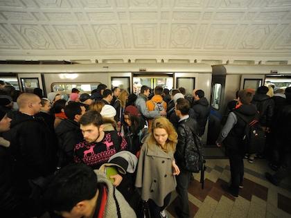 Погибший молодой человек — 17-летний студент первого курса городского университета управления правительства Москвы
