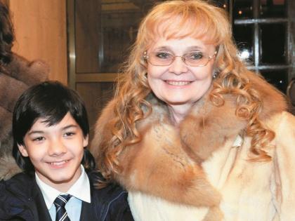 Наталья Белохвостикова с приемным сыном Кириллом
