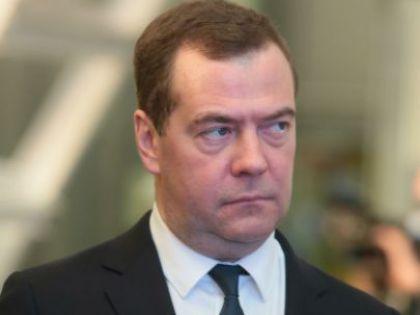 Медведев: снижение налогов, дешевая ипотека, честность