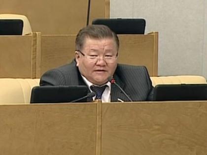 Депутат от «Справедливой России», член комитета по охране здоровья Федот Тумусов