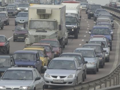 В пробке автомобилисты могут потерять 1 час 32 минуты