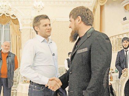 Корчевников – тоже своего рода помощник главы ЧР. По пиару на ТВ