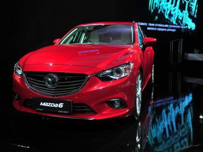 Mazda-3 сравнялась по цене с шестой моделью