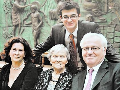 Виталий Чуркин с семьей