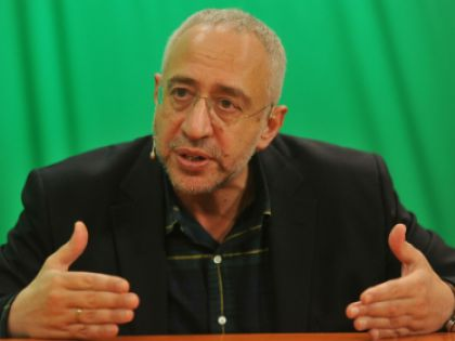 Николай Сванидзе рассказал, почему происходят нападки на Горбачева и Ельцина