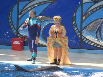 Певица Лариса Долина — одна из участниц шоу «Вместе с дельфинами»
