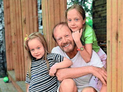 Филозов с дочками