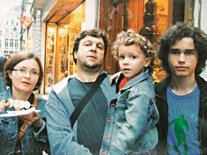 Федор стал многодетным отцом, у него два сына и две дочери