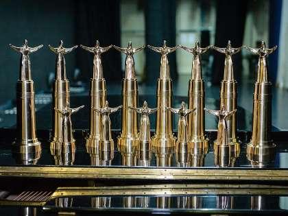 Призеры получили вот такие статуэтки, изображающие знаменитый чебоксарский памятник «Мать-Покровительница»