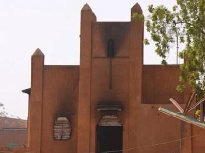 В Нигере из-за карикатур на пророка Мухаммеда жгут христианские церкви
