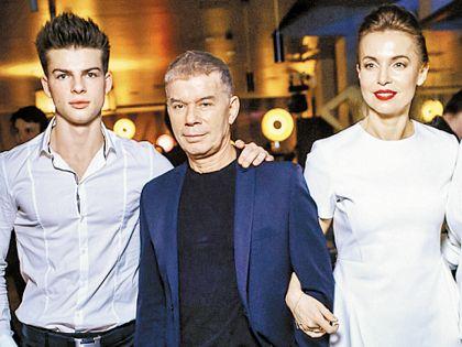 Олег Газманов с женой Мариной и сыном Филиппом