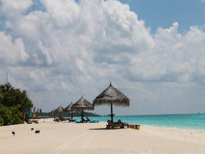 Купаться и загорать на мальдивских пляжах  - одно удовольствие!