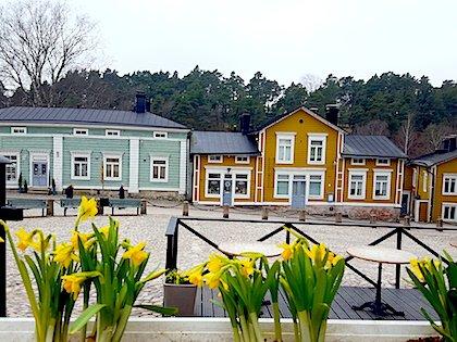 Аккуратные домики в Порвоо выкрашены в определенные цвета